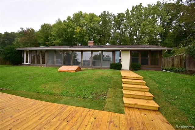 1826 Darwin Road, Putnam Twp, MI 48169 (#2200002454) :: The Buckley Jolley Real Estate Team