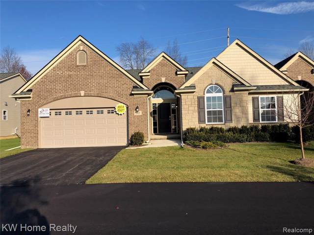 685 Andover Park Lane #5, Milford Twp, MI 48381 (#2200002656) :: The Buckley Jolley Real Estate Team