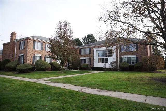 587 E Fox Hills Dr #31, Bloomfield Twp, MI 48304 (#2200002963) :: Alan Brown Group