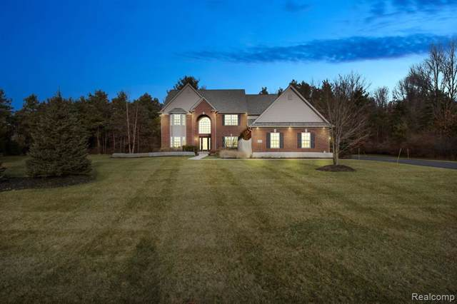2878 Steeplechase, Highland Twp, MI 48357 (#2200002964) :: The Buckley Jolley Real Estate Team