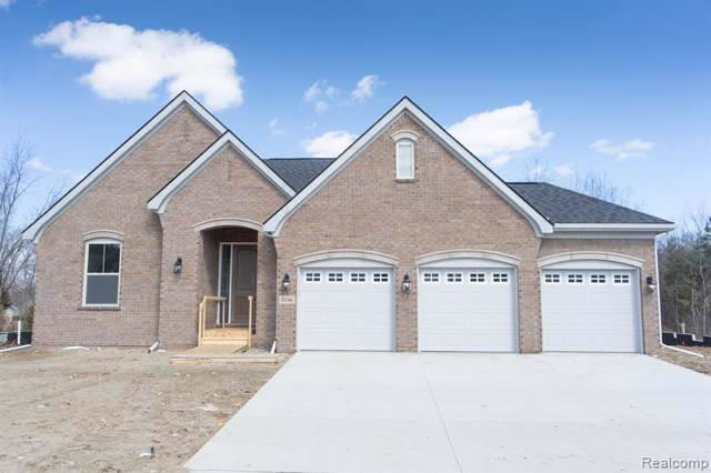 2864 Secret Way, Commerce Twp, MI 48390 (#2200003137) :: The Mulvihill Group