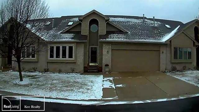 32901 Whispering Ln, Chesterfield Twp, MI 48047 (#58050003442) :: Alan Brown Group