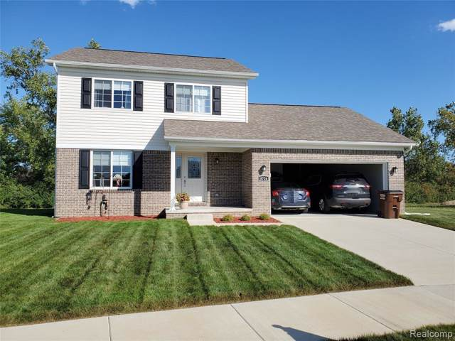 8726 E Park Ridge Circle, Berlin Twp, MI 48166 (MLS #2200003663) :: The Toth Team