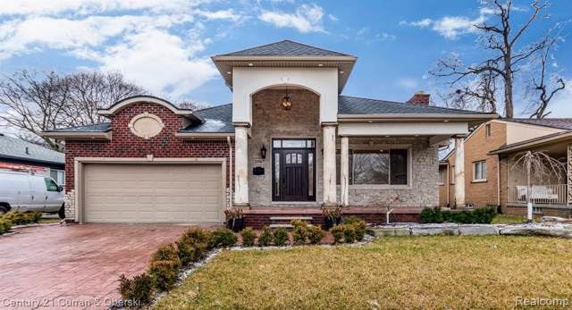 21967 Hickorywood Drive, Dearborn Heights, MI 48127 (#2200003800) :: The Buckley Jolley Real Estate Team