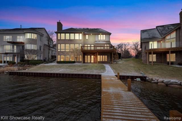 3654 Lakeshore Drive, Waterford Twp, MI 48329 (#2200003889) :: Duneske Real Estate Advisors