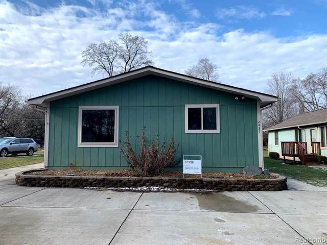 2435 Lakeside Drive, Highland Twp, MI 48356 (#2200004086) :: The Buckley Jolley Real Estate Team