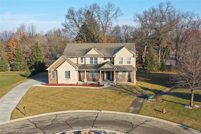 273 Gleneagles, Highland Twp, MI 48357 (#2200004187) :: The Mulvihill Group