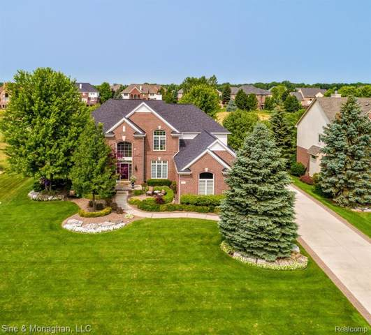 2680 Pebble Beach Drive, Oakland Twp, MI 48363 (#2200004251) :: Team Sanford