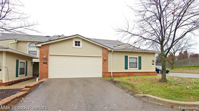 5602 Drake Hollow Drive W, West Bloomfield Twp, MI 48322 (#2200004337) :: RE/MAX Classic