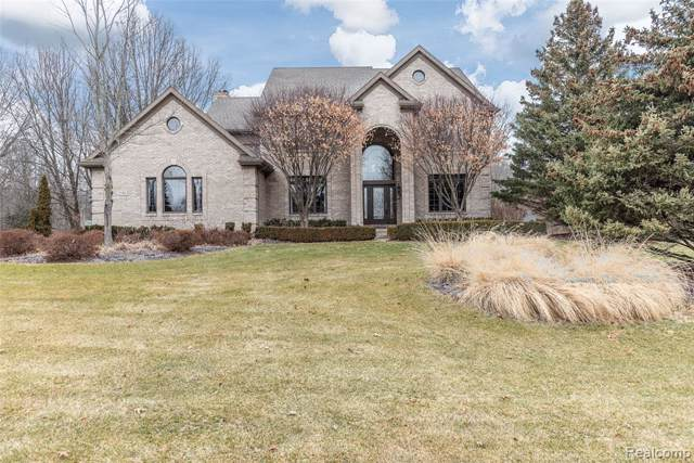 2586 Overbrook, Highland Twp, MI 48357 (#2200004467) :: The Buckley Jolley Real Estate Team