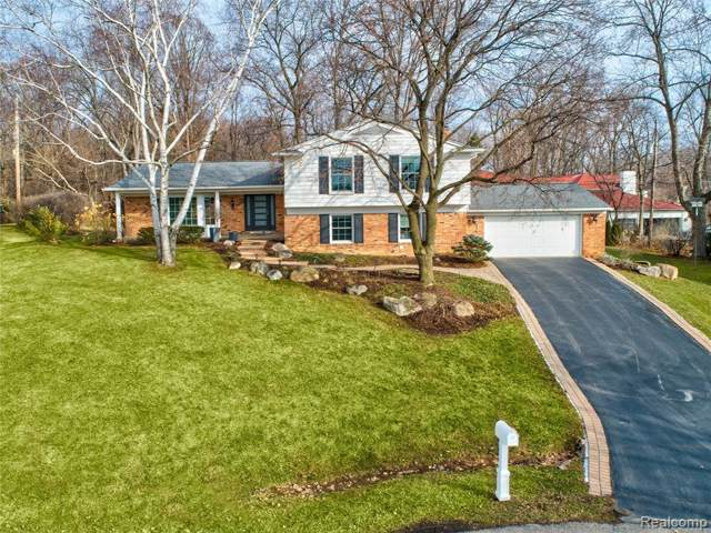 5253 Fairmont Hill Court, Bloomfield Twp, MI 48302 (#2200004599) :: The Alex Nugent Team | Real Estate One