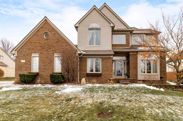 55450 Parkview Drive, Shelby Twp, MI 48316 (#2200004602) :: The Alex Nugent Team   Real Estate One