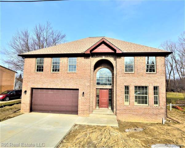 2651 Lovington, Troy, MI 48083 (#2200004739) :: GK Real Estate Team