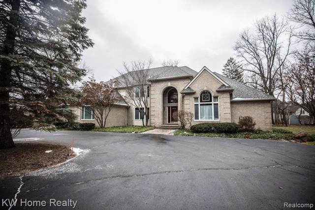 3238 Pine Lake Road, West Bloomfield Twp, MI 48324 (#2200004745) :: RE/MAX Classic