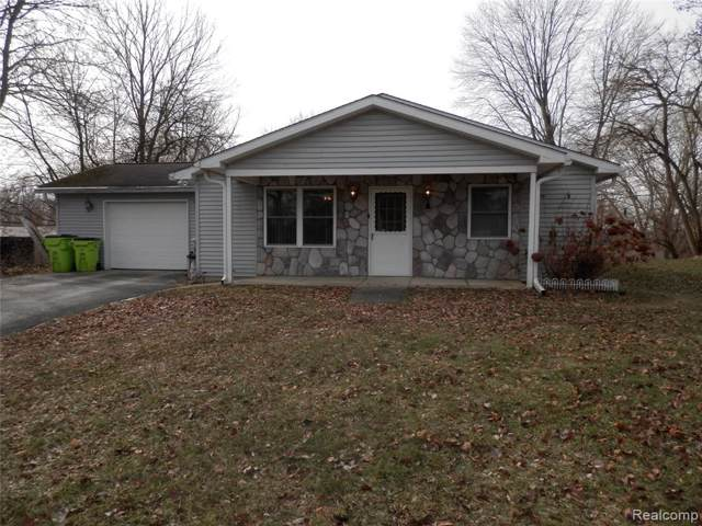 10492 Lakeview Drive, Green Oak Twp, MI 48189 (#2200004773) :: The Buckley Jolley Real Estate Team