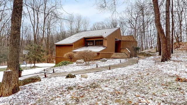 4217 Grondinwood Lane, Milford Twp, MI 48380 (#2200004806) :: The Buckley Jolley Real Estate Team