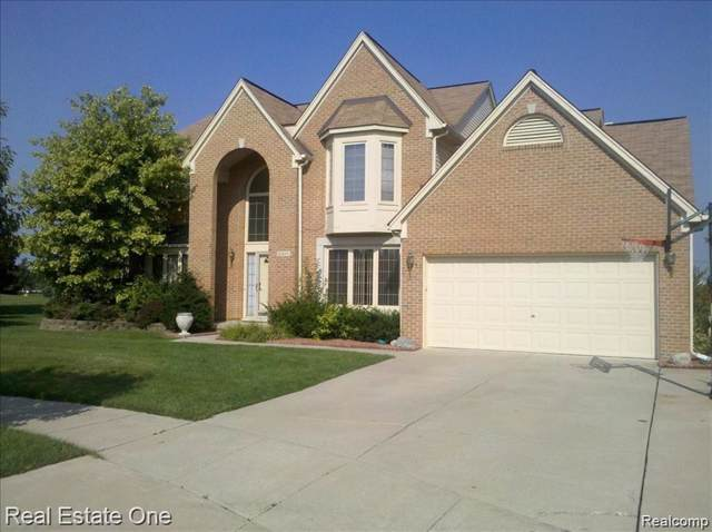45406 Remington Court, Canton Twp, MI 48188 (#2200004857) :: The Buckley Jolley Real Estate Team