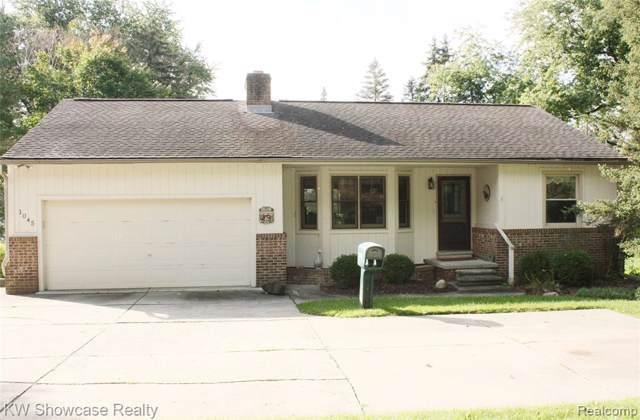 1045 Pinecrest Drive, White Lake Twp, MI 48386 (#2200004908) :: RE/MAX Classic