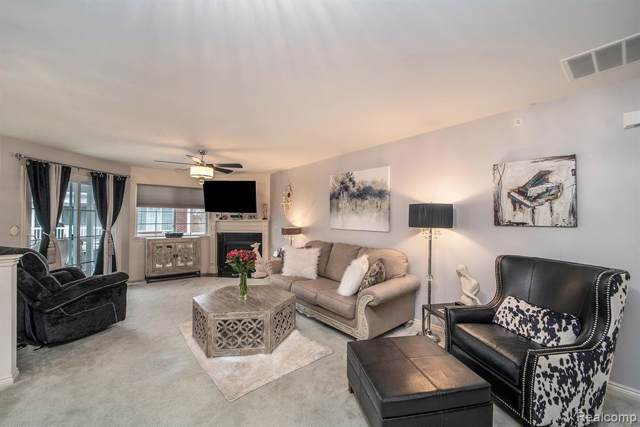 7009 Boulder Pointe Drive #7009, Washington Twp, MI 48094 (#2200004934) :: The Alex Nugent Team | Real Estate One