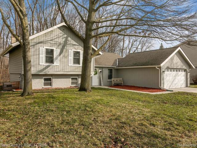 3876 Bristol Drive, Troy, MI 48083 (#2200004950) :: The Alex Nugent Team | Real Estate One