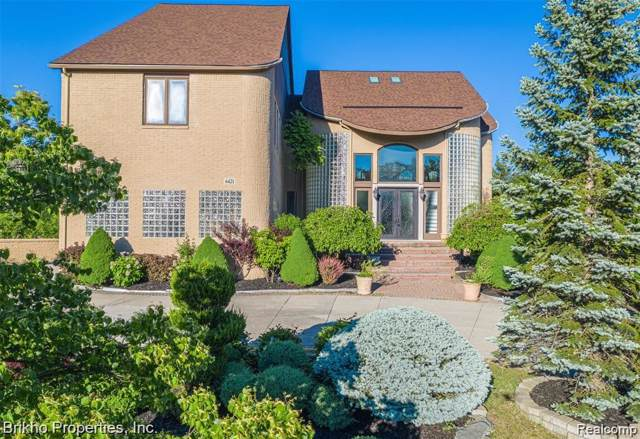 6421 Golden Lane, West Bloomfield Twp, MI 48322 (#2200004971) :: GK Real Estate Team