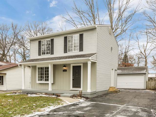 3544 Fort Drive, Waterford Twp, MI 48328 (#2200005002) :: Springview Realty