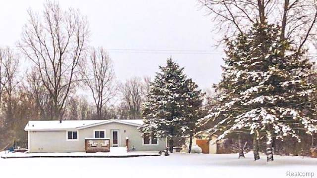 8311 State Road, Shiawassee Twp, MI 48414 (#2200005010) :: The Buckley Jolley Real Estate Team