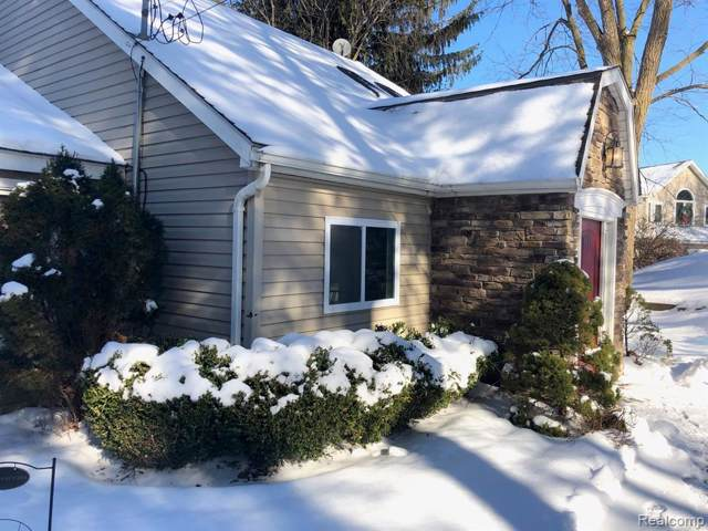 4456 Lamson, Waterford Twp, MI 48329 (#2200005220) :: The Mulvihill Group