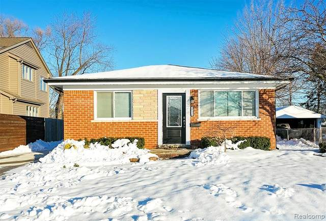28116 Florence Street, Saint Clair Shores, MI 48081 (#2200005370) :: The Buckley Jolley Real Estate Team