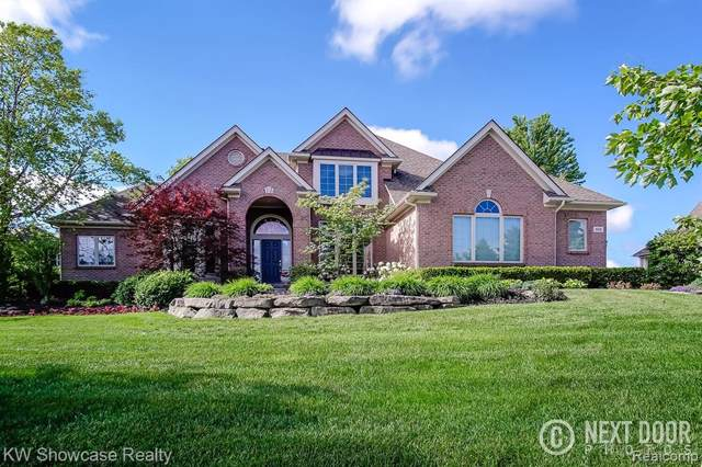849 Gleneagles, Highland Twp, MI 48357 (#2200005410) :: The Mulvihill Group