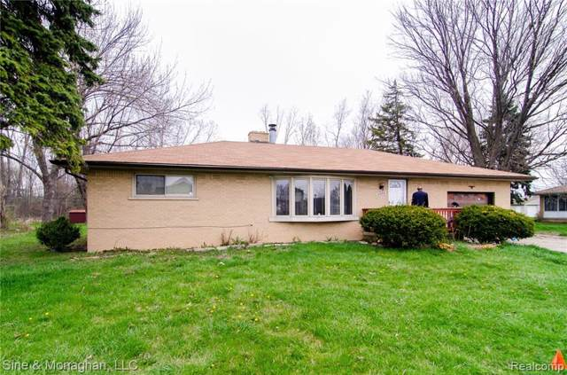 2909 E Wattles Road, Troy, MI 48085 (#2200005564) :: Team Sanford