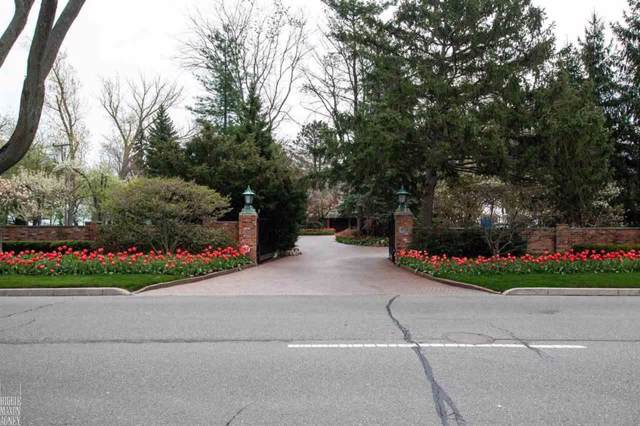 824 Lakeshore, Village of Grosse Pointe Shores, MI 48236 (#58050004191) :: GK Real Estate Team