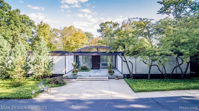 27880 Lakehills, Franklin Vlg, MI 48025 (#2200006454) :: The Buckley Jolley Real Estate Team