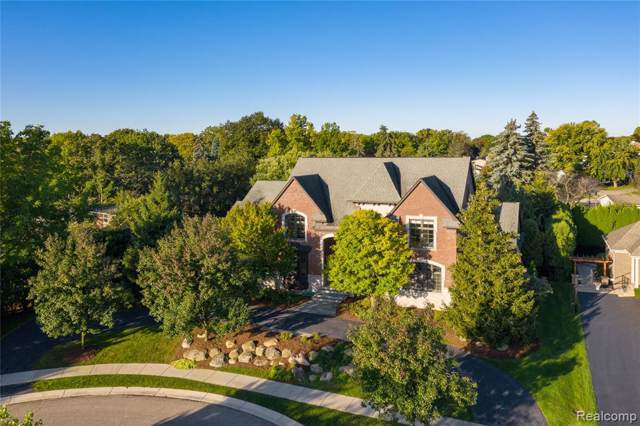 3630 Pine Hill Court, West Bloomfield Twp, MI 48323 (#2200006513) :: GK Real Estate Team