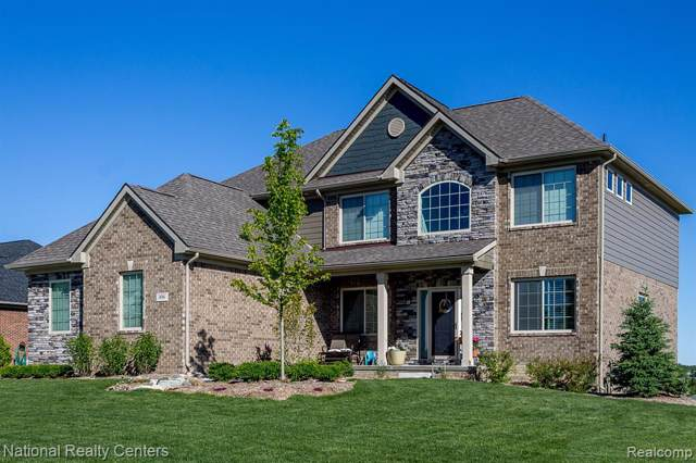 5401 Aberdeen Court, Independence Twp, MI 48348 (#2200007090) :: The Mulvihill Group