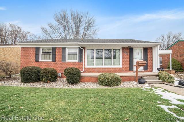 706 Huntington Street, Mt. Clemens, MI 48043 (#2200007727) :: Keller Williams West Bloomfield