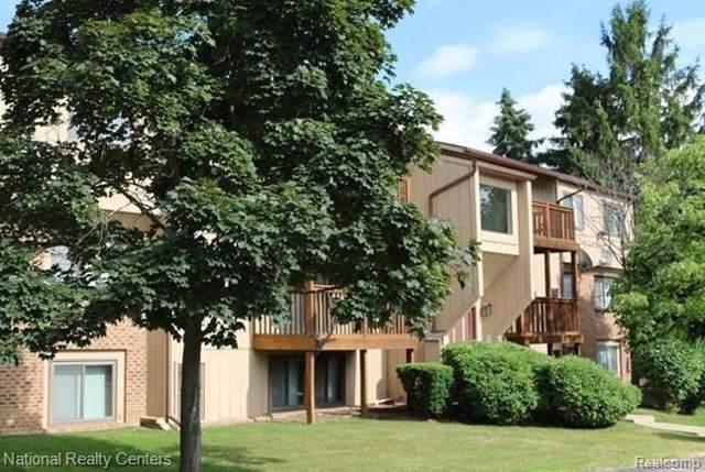 30022 W 12 MILE Road #4, Farmington Hills, MI 48334 (#2200007857) :: The Mulvihill Group