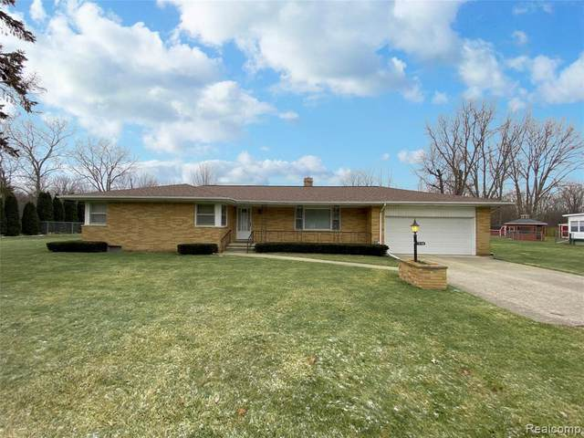 7148 Brittwood Lane, Mundy Twp, MI 48507 (#2200008881) :: The Buckley Jolley Real Estate Team