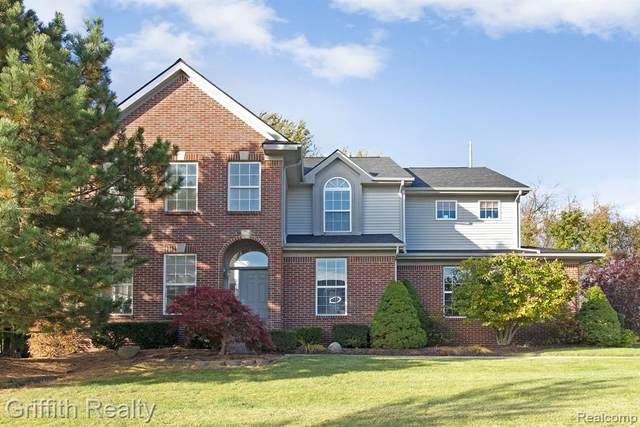 9173 Ambergrove Drive, Hartland Twp, MI 48843 (#2200009100) :: The Buckley Jolley Real Estate Team