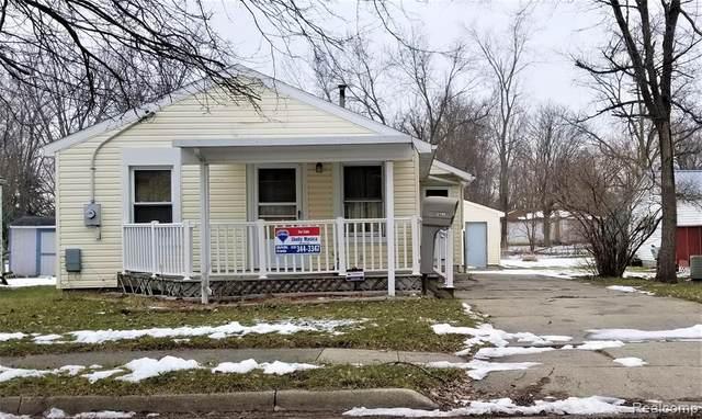 2430 Newark Avenue, Lansing, MI 48911 (#2200009236) :: The Buckley Jolley Real Estate Team