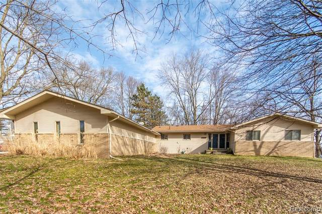7777 Collingwood Drive, Genoa Twp, MI 48114 (#2200009976) :: The Buckley Jolley Real Estate Team