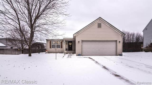 612 Rustic Trail, Linden, MI 48451 (#2200010586) :: The Buckley Jolley Real Estate Team