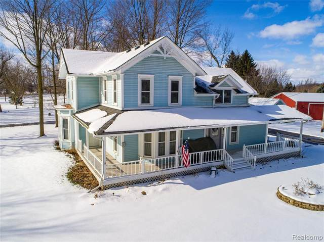 6005 Fowlerville Road, Conway Twp, MI 48836 (#2200010852) :: The Buckley Jolley Real Estate Team