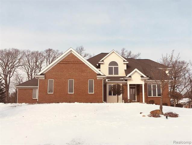 8383 Thorn Hill Dr Drive, Hartland Twp, MI 48843 (#2200011051) :: The Buckley Jolley Real Estate Team