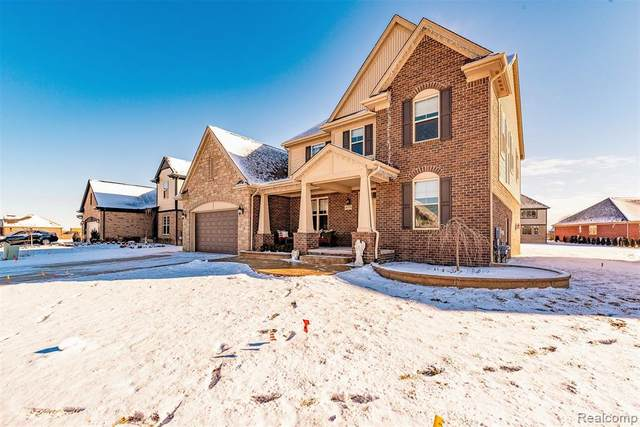 49578 Monarch Drive, Macomb Twp, MI 48044 (#2200011769) :: The Buckley Jolley Real Estate Team