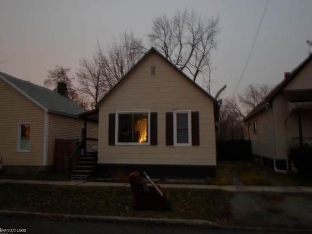 1316 Miller St., Port Huron, MI 48060 (#58050005643) :: GK Real Estate Team