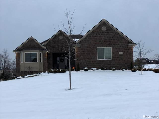 3668 Highview Dr, Oxford Twp, MI 48371 (#2200012117) :: The Buckley Jolley Real Estate Team