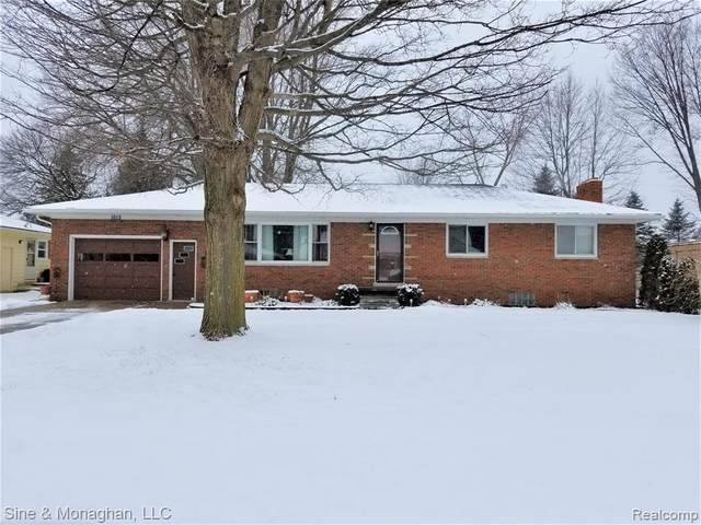 1015 N 6TH Street, ST. CLAIR, MI 48079 (#2200012182) :: The Buckley Jolley Real Estate Team