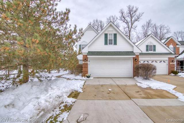 671 Shady Maple Drive, Wixom, MI 48393 (#2200012308) :: The Buckley Jolley Real Estate Team