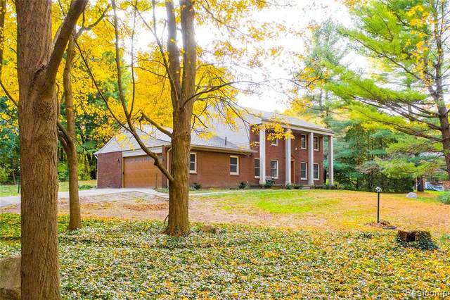 9401 Mcclumpha Road, Plymouth Twp, MI 48170 (#2200012443) :: The Buckley Jolley Real Estate Team